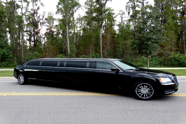Chrysler 300 Limo Service Fort Smith